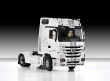 Italeri Mercedes-Benz Actros 1851 BLACKLIN